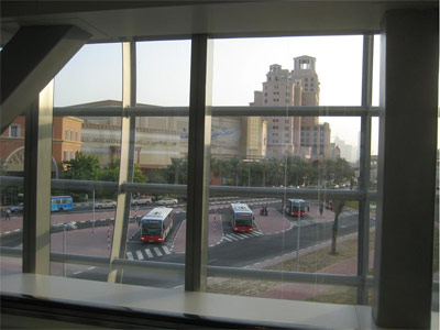 Dubai Metro: Metro Connector Bus Terminal at the Mall of Emirates.