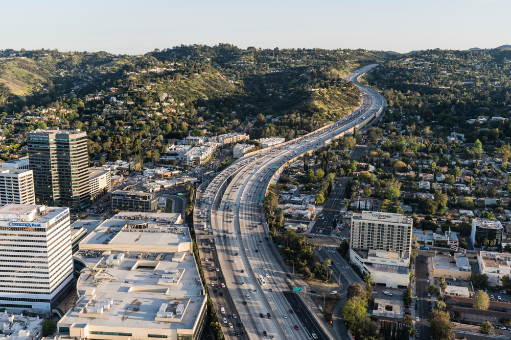 I-405 aerial photo - image link to source article