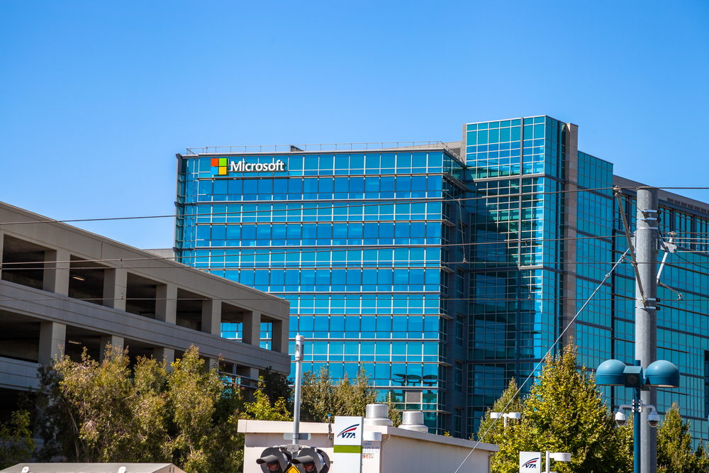 Microsoft Adds to the Tech Industry's Construction ...